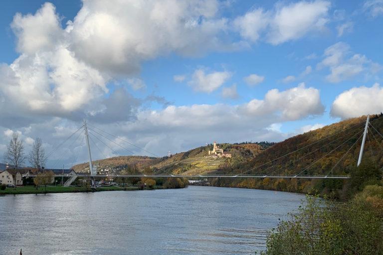 Burg Hornberg mit Brücke_1200x800